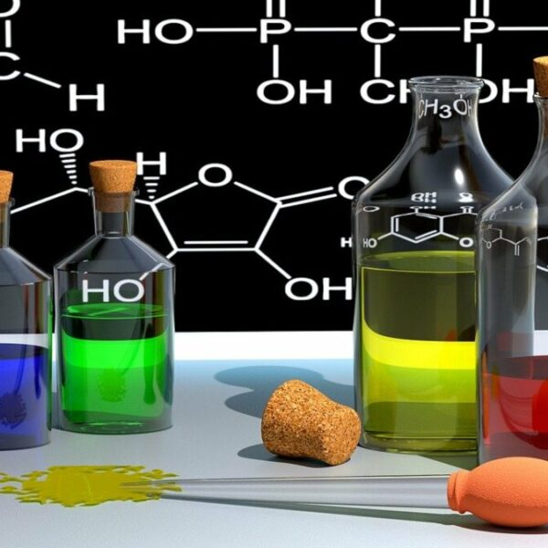 Pracownia Chemii oraz akcesoria do nauki Chemii w szkole i w domu