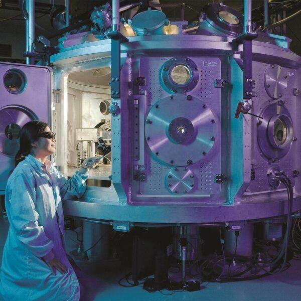 Pracownia Fizyki oraz akcesoria do nauki Fizyki w szkole i w domu
